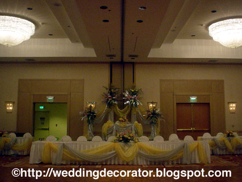Long head table decorations -