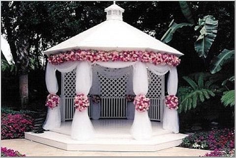 Decorating gazebos and arches for a wedding
