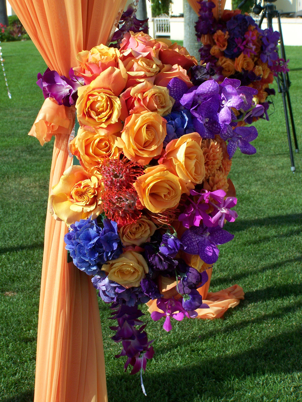 Here S A Closeup Of Beautiful Purple And Orange Arrangements I Can See At Least Three Varieties Orchids Anemones Blue Hydrangea Roses