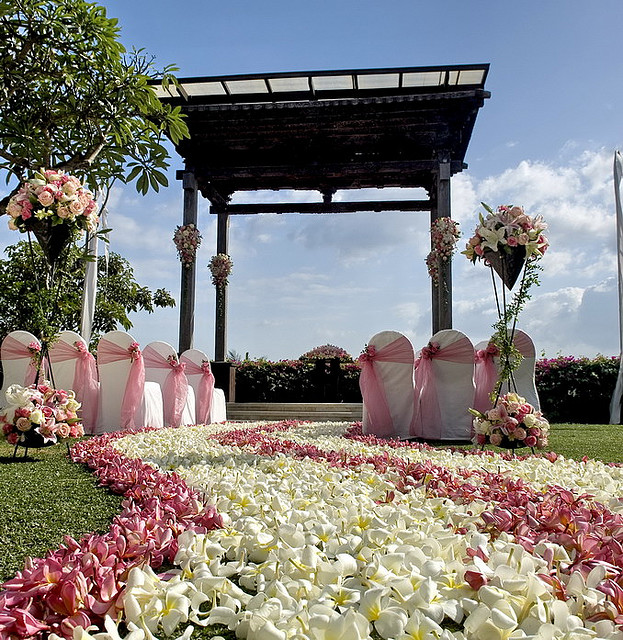 Wedding decoration ideas for a gazebo for Bali wedding decoration ideas